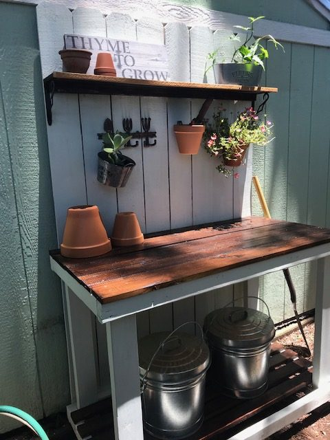 Excellent Diy Potting Bench Thats Easy To Build Susans Sunny Days Pabps2019 Chair Design Images Pabps2019Com
